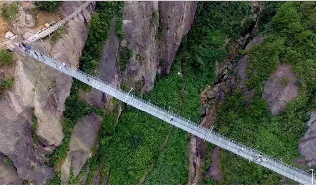 清远牛鱼嘴高空玻璃桥、飞来湖公园 (纯玩)一日游